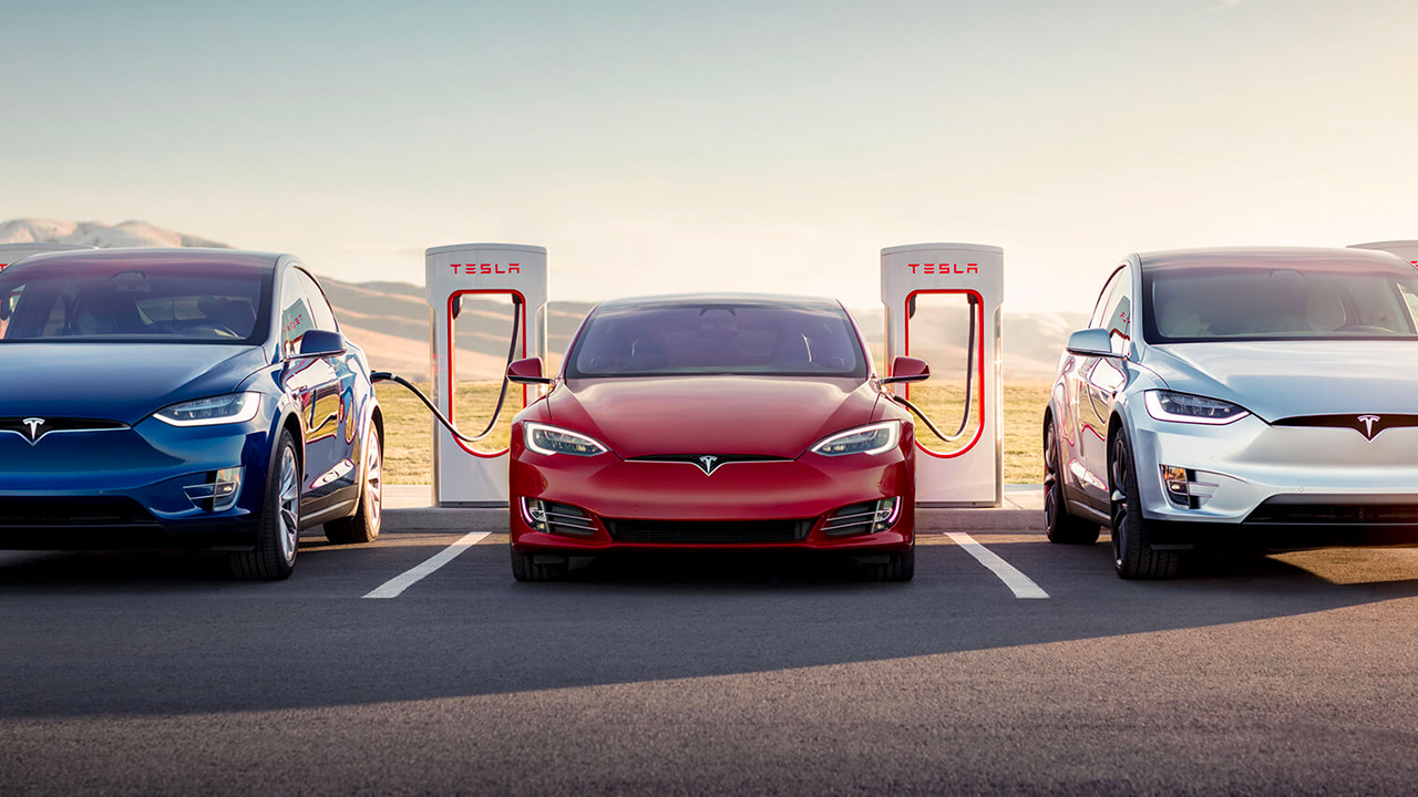 Tesla tries to win back Model S and X customers with free, unlimited