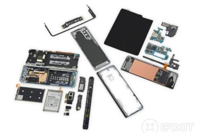 iFixit awards Samsung Galaxy Fold a repairability score of 2 15