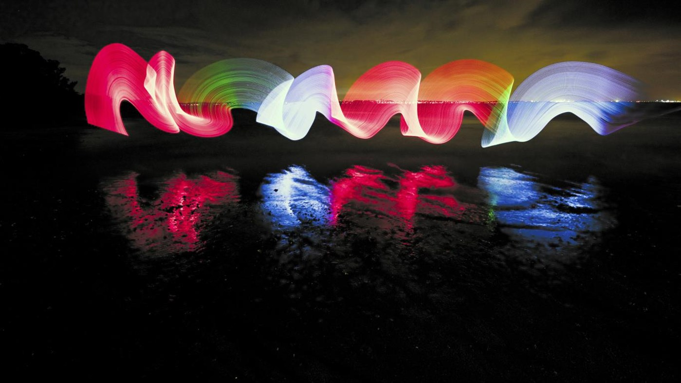 Windows 10 テーマ Lighting In Light Premium が配信 ネオンがテーマの美しい4k壁紙 Wpteq