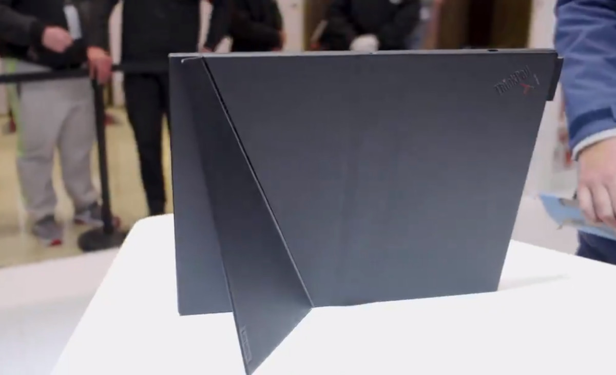 Lenovo showed off the folding ThinkPad X1 and Project Limitless at Lenovo Tech World 13