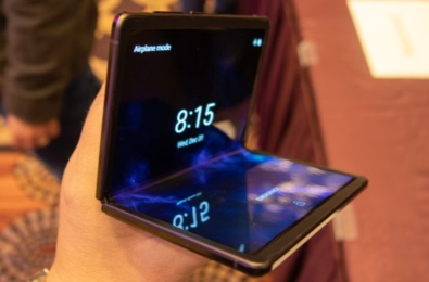 TCL showcases foldable smartphones at CES 2020 2