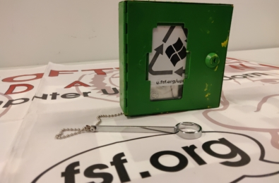 Free Software Foundation sends hard drive to Microsoft to get Windows 7 source code 10