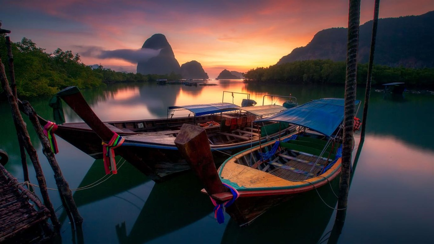 Windows 10 Theme Download Microsoft S New Theme Pack Colorful Boats Premium Contains Beautiful 4k Wallpapers Mspoweruser