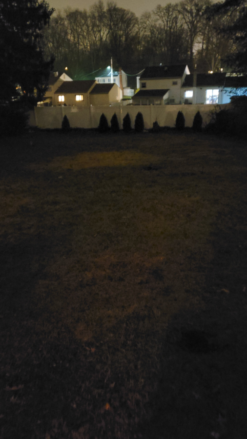 Early low-light Samsung Galaxy S20 sample pictures look great 1