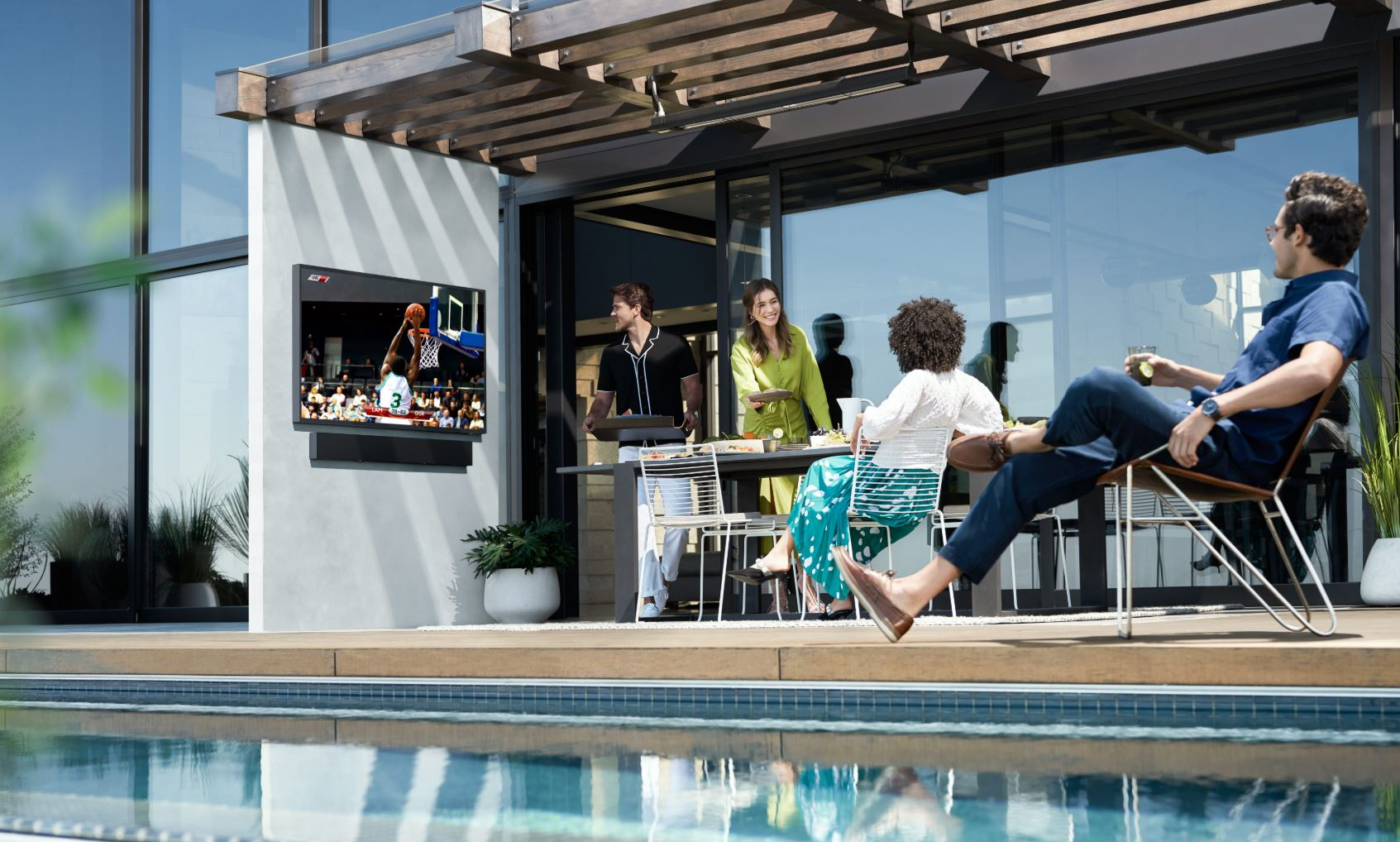 The Terrace Samsung's outdoor TV that can withstand sunlight water and dust 1