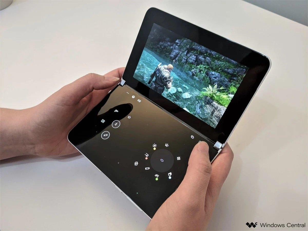 surface duo dual screen gaming 2