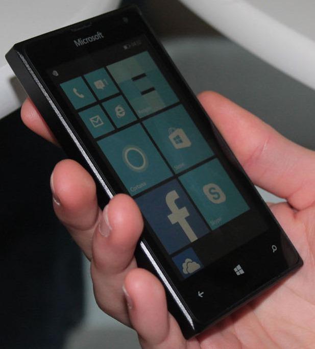 Lumia 435 and lumia 532 hands on impressions of microsoft for 11 435