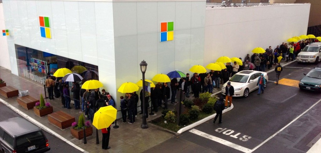 People Line Up For Buying Microsoft Surface Pro - MSPoweruser