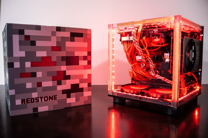 This custom Redstone PC is an awesome tribute to Windows ...